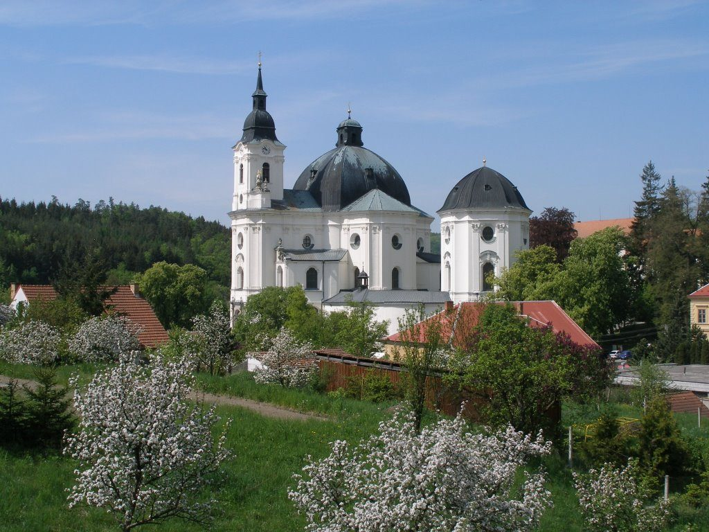 Viscount organ installations in Czech Republic